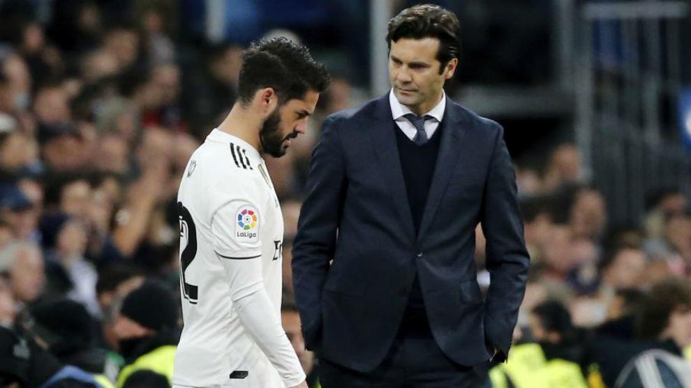Solari mira a Isco tras un cambio en su etapa en el Real Madrid