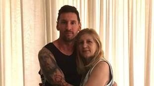 Leo Messi junto a su mamá Celia.
