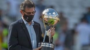 Mario Alberto Kempes, presente en la final de la Copa Sudamericana