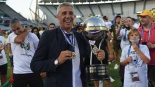 River felicitó a Hernán Crespo por la obtención de la Copa...