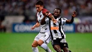 Alex Vigo, durante un partido con Colón.