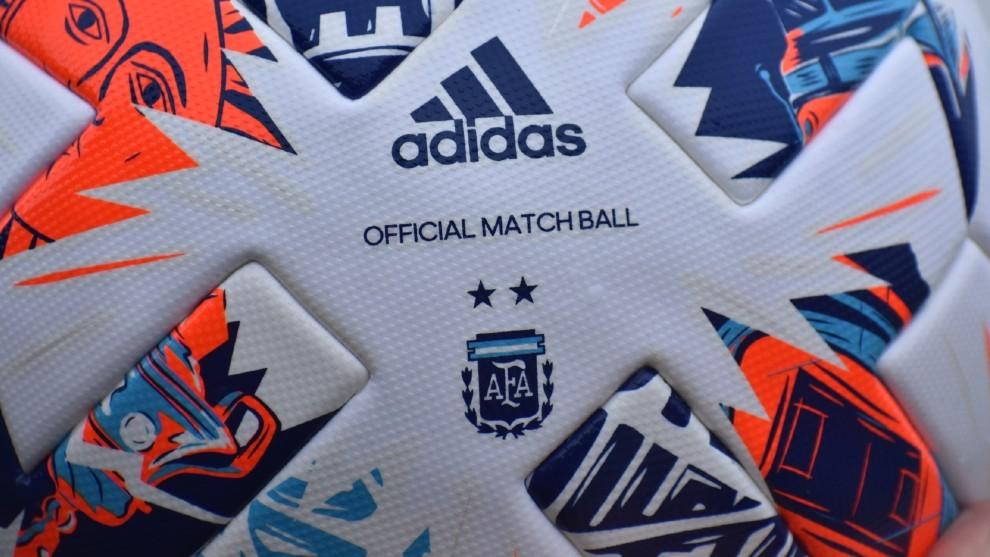 La pelota oficial de la Copa de la Liga Profesional 2021.