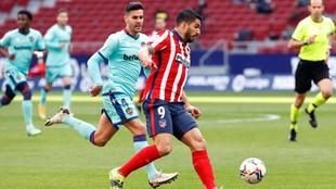 Luis Suárez durante el partido contra el Levante.