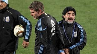 Palermo y Maradona en un partido con la selección argentina.