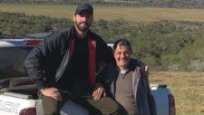 Alisson Becker junto a su padre, José Agostinho Becker