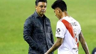 La mirada de Gallardo a Carrascal tras su expulsión ante Palmeiras
