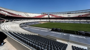 El estadio Monumental, sin público en  las gradas