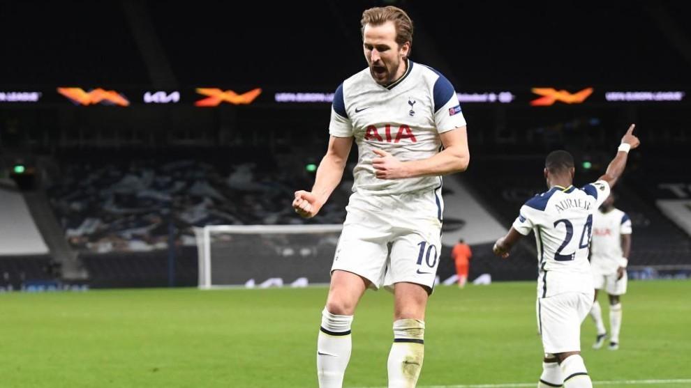Harry Kane celebra uno de sus goles.
