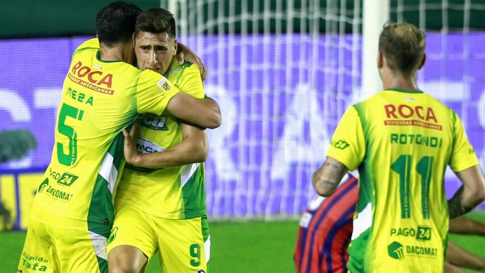 Miguel Merentiel celebra su gol, el segundo.