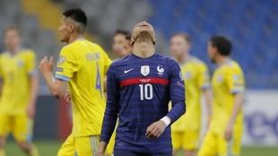 Kylian Mbappé falló un penal ante Kazajistán