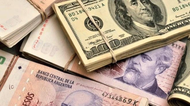 A cuánto cotiza el dólar blue hoy 9 de abril y cuál es el tipo de...