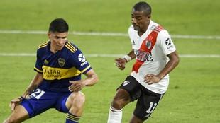 Campuzano y De La Cruz, durante el último Superclásico.