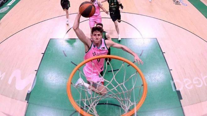 Leandro Bolmaro fue elegido en el Draft 2021 de la NBA