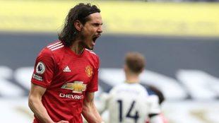 Cavani convirtió el 2-1 del Manchester United ante Tottenham