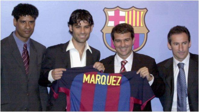 Rafa Márquez, junto a Laporta, Rijkaard y Begirastain, el día de su...
