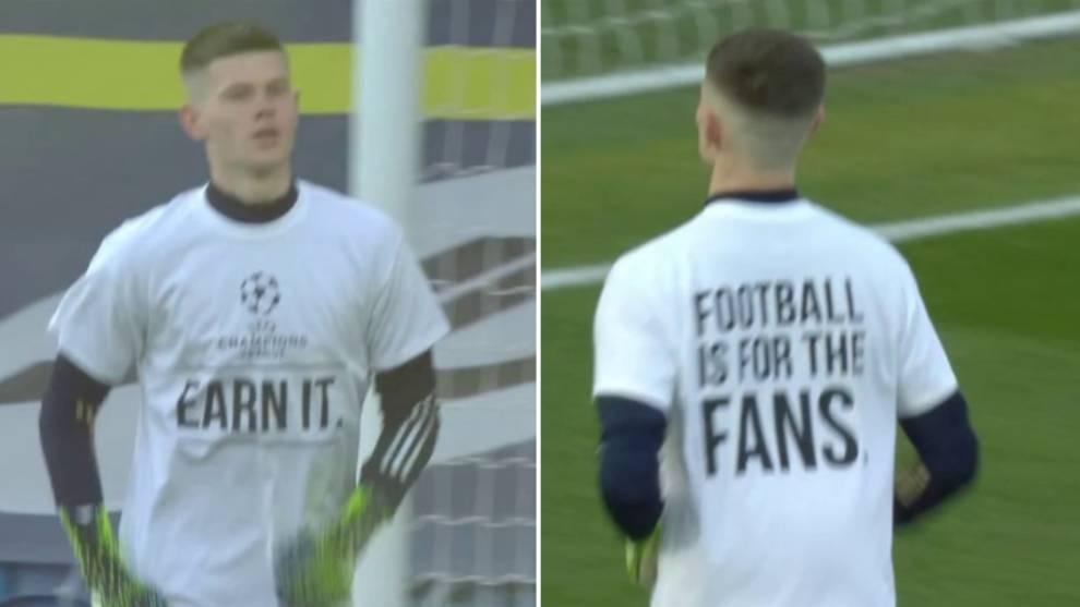 Illan Meslier y la camiseta de protesta contra la Superliga antes del...