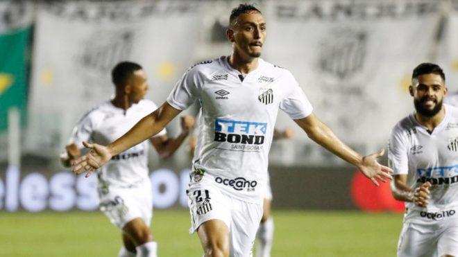 Pituca, autor del primer gol de Santos ante Boca.