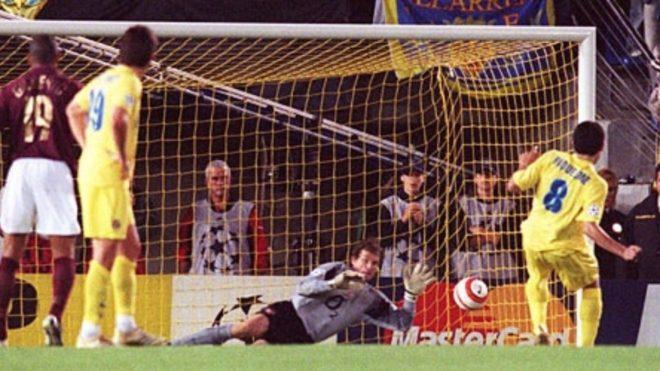 Riquelme y su penal ante Arsenal.