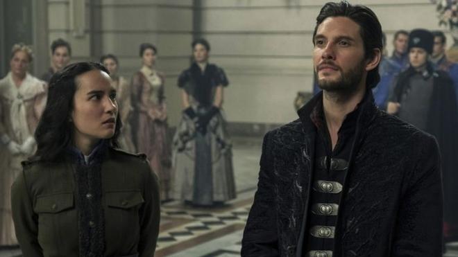Sombra y Hueso en Netflix: reparto, posible temporada 2 y novedades