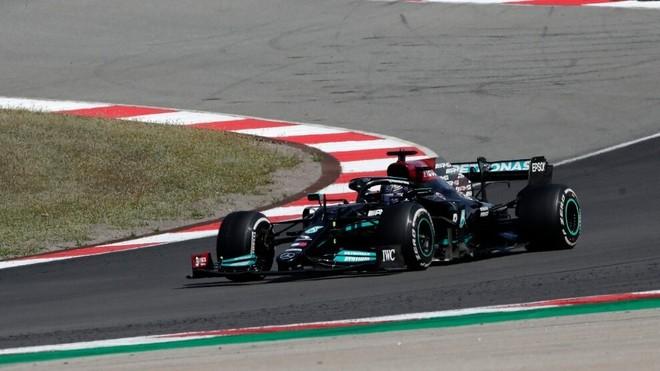 Lewis Hamilton se quedó con el triunfo en el Gran Premio de Portugal...