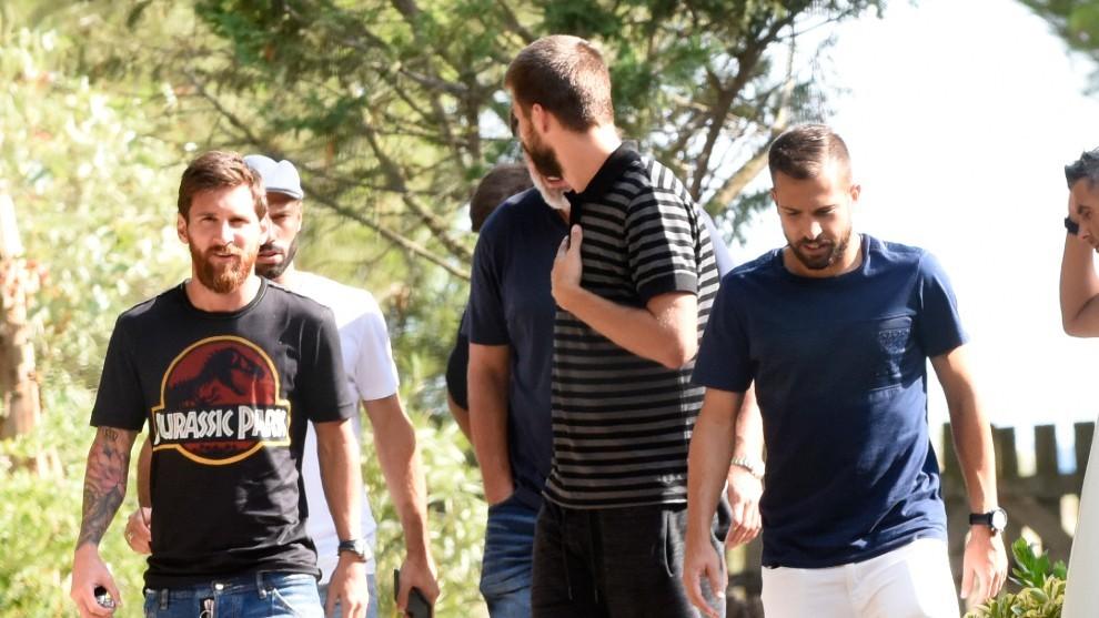 Messi, Pique y Jordi Alba, futbolistas del Barcelona