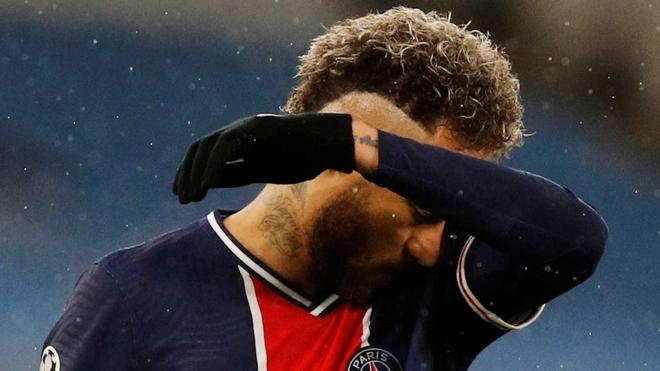 Neymar, en la mira por su actuación ante Manchester City