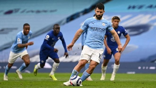 Kun Agüero falló un penal y Manchester City perdió con Chelsea