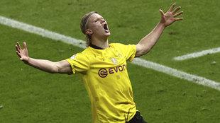 Haaland celebra uno de sus goles al Leipzig