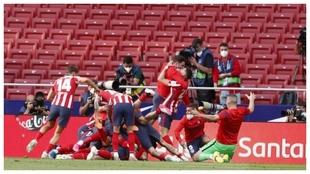 Luis Suárez convirtió el segundo y desató la locura del Atlético...