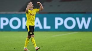 Haaland celebra un gol con el Dortmund.