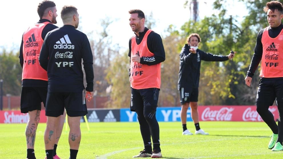 Messi, De Paul y Lautaro, durante un entrenamiento.
