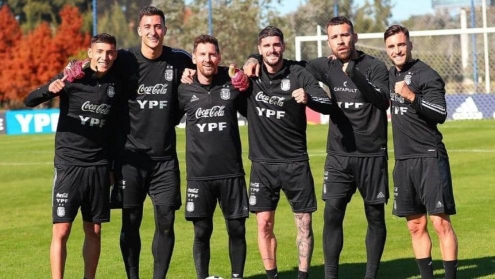 Molina, Musso, Messi, De Paul, Otamendi y Tagliafico en entrenamiento...