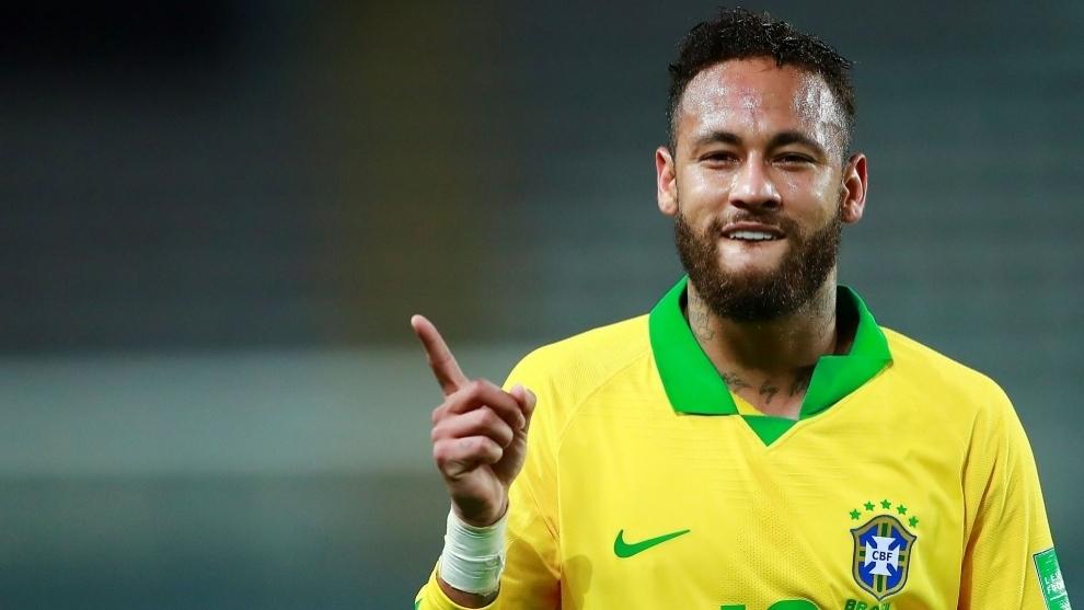 Neymar, capitán y figura de Brasil.