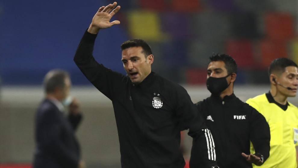 Scaloni (46) en el partido ante Colombia