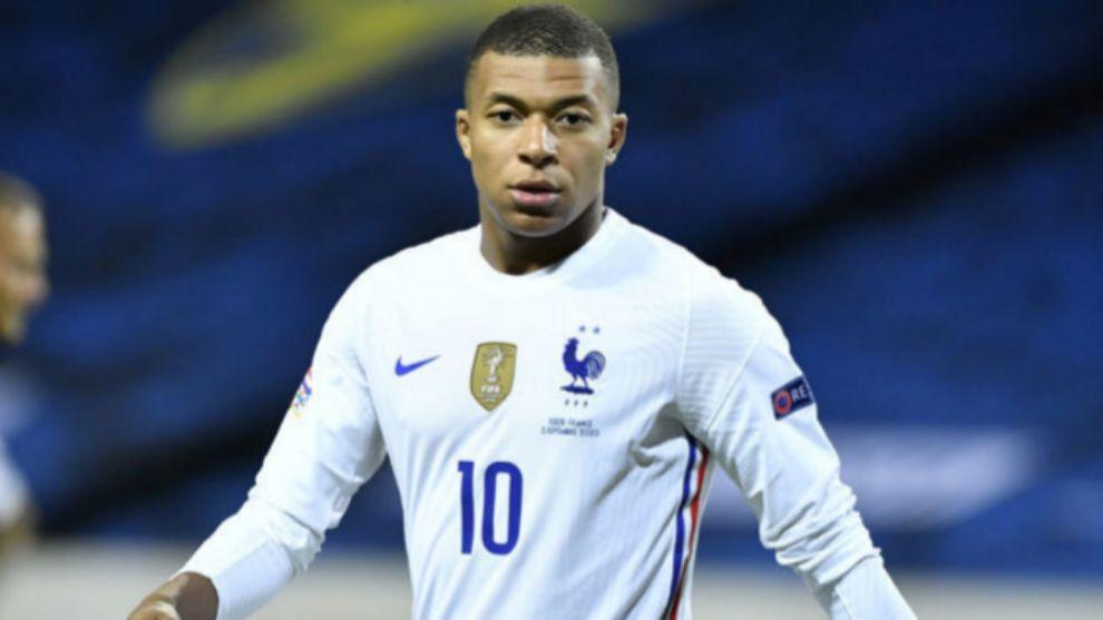 Mbappé (22) en un partido con la Selección Francesa