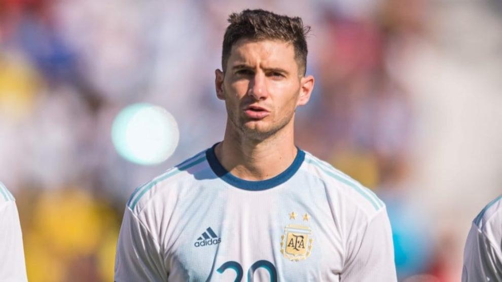 Lucas Alario, durante un partido de Argentina.