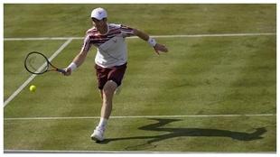 Andy Murray venció al francés Benoit Paire en Queens