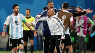 Maxi Meza revela lo sucedido entre el plantel y Jorge Sampaoli en el...