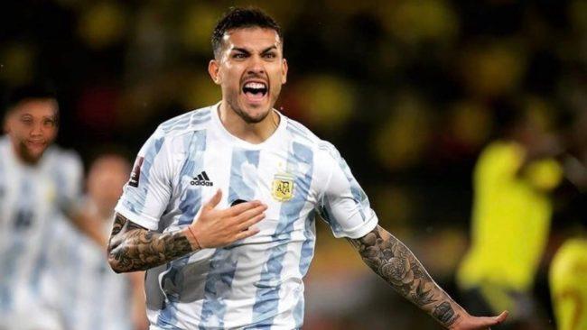 Paredes grita su gol ante Colombia por eliminatorias.