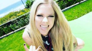 Avril Lavigne llegó a Tik Tok con un vídeo con Tony Hawk