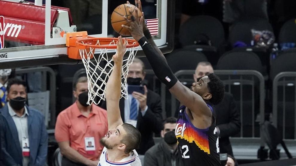 La canasta ganadora de Ayton que pone a los Suns a dos pasos de las Finales de la NBA.