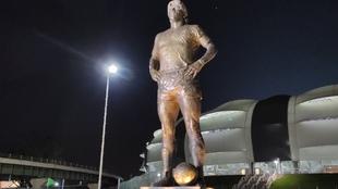 Estatua de Maradona en Santiago del Estero