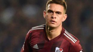 Santos Borré seguirá en la Bundesliga.
