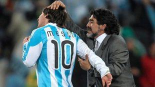 Leo Messi y Diego Maradona juntos en el Mundial de Sudáfrica 2010
