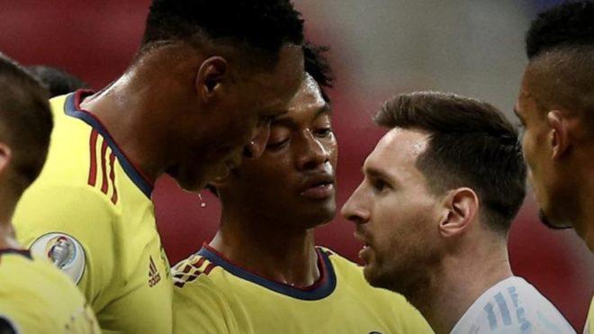 Messi contra Mina.