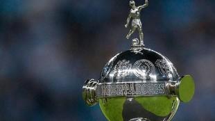 El trofeo de la Libertadores.