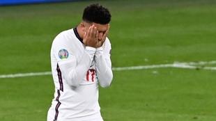 Jadon Sancho tras perder el penalti en la final de la Eurocopa ante...