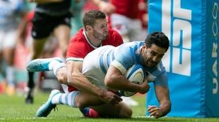 Try de Jero De La Fuente en el primer choque ante Gales. Foto: Juan...
