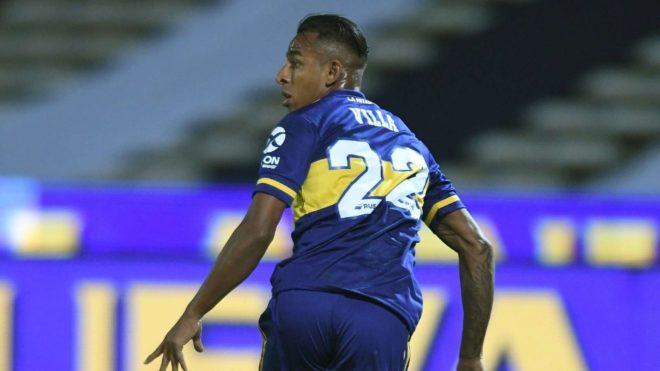Villa, en un partido con Boca.