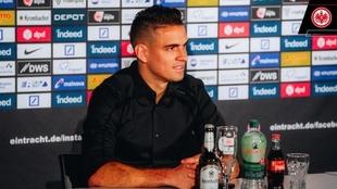Borré durante su presentación en el Eintracht.